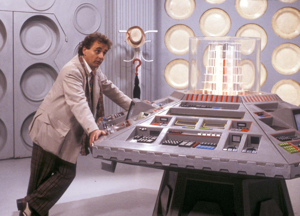 7th-Doctor-in-the-TARDIS