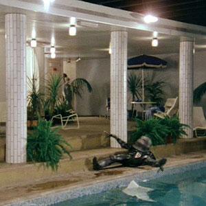 room-swimming-pool-3